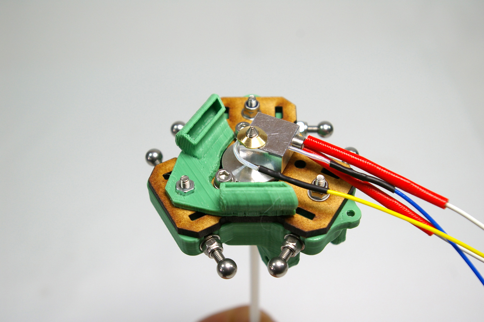 hot end assembly emaker adding the heater thermistor and fan